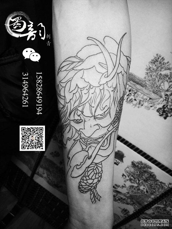 蜀韵刺青首席纹身师兼负责人,纹身师培训导师,曾担任北京知名刺青店